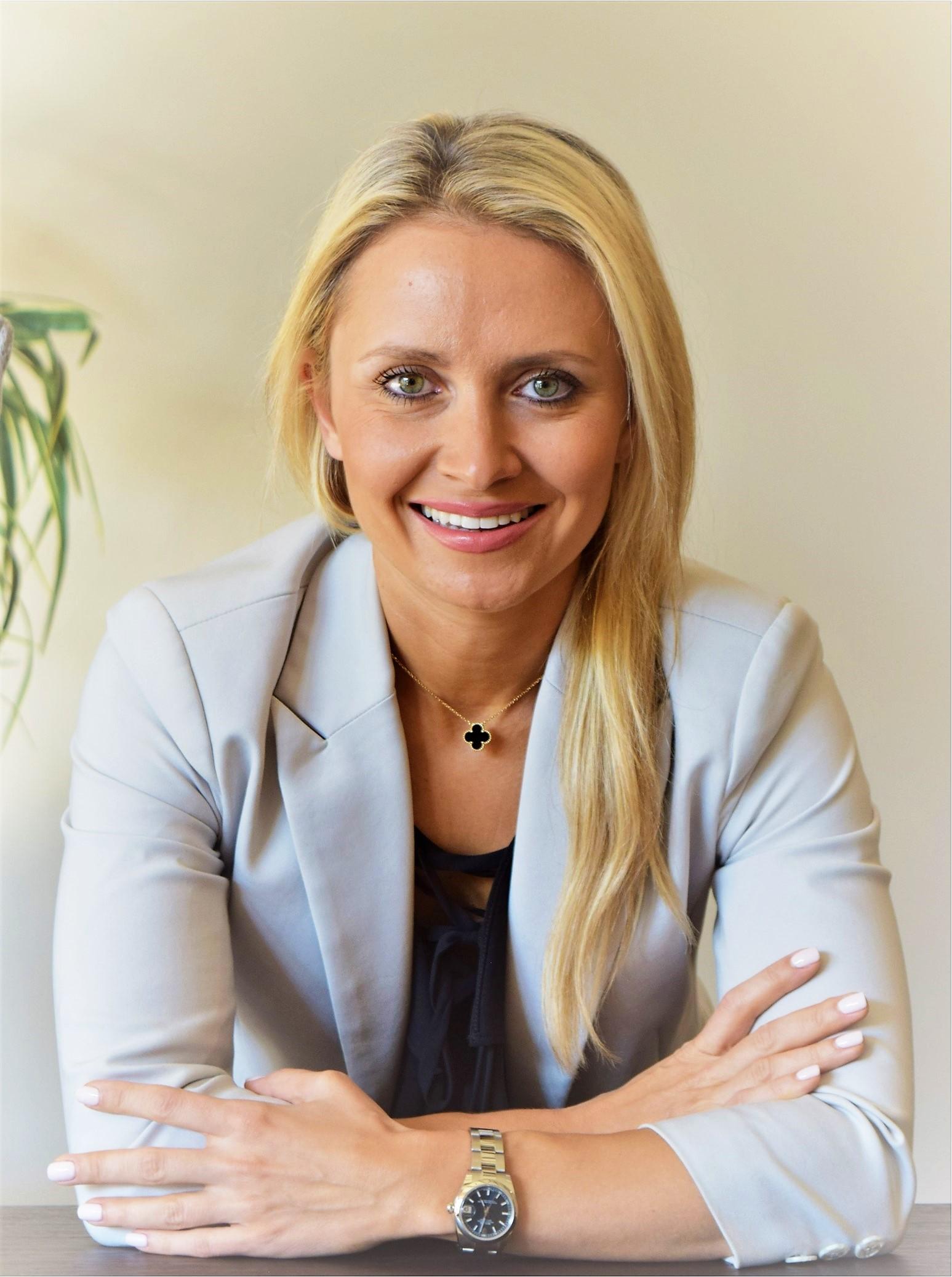 Headshot Yulia Salmeron